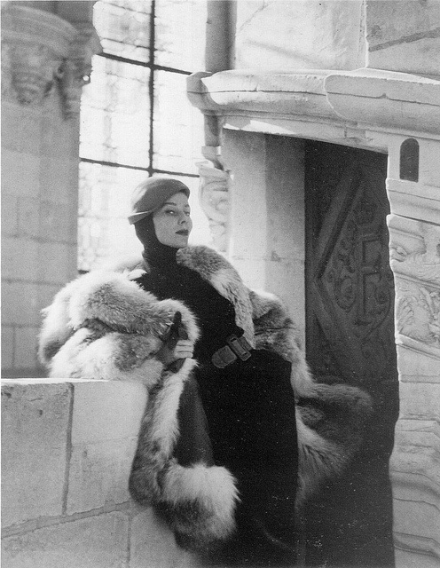 Bettina wearing Elsa Schiaparelli 1959