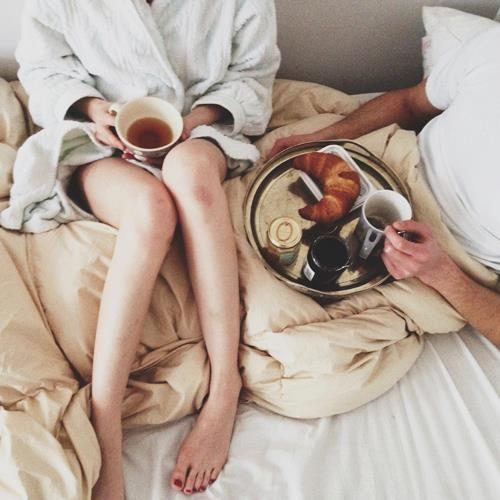 breakfast in bed 2