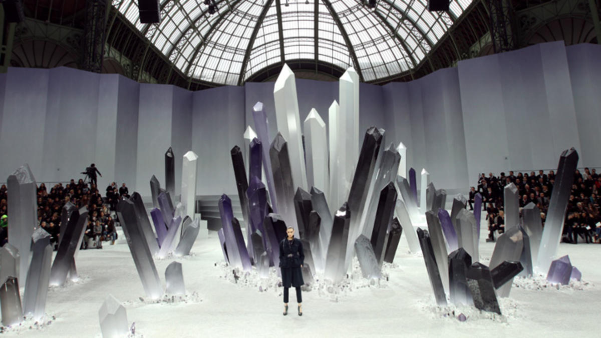 chanel-fall-2012-runway-show