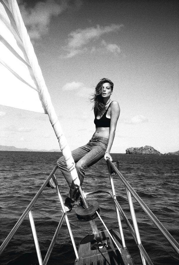 daria-werbowy-sailing